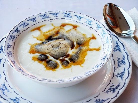 Yoghurt soup